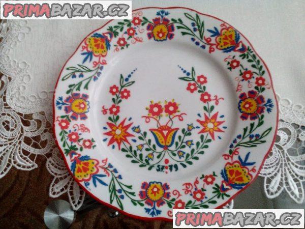 Ručně malovaný talíř