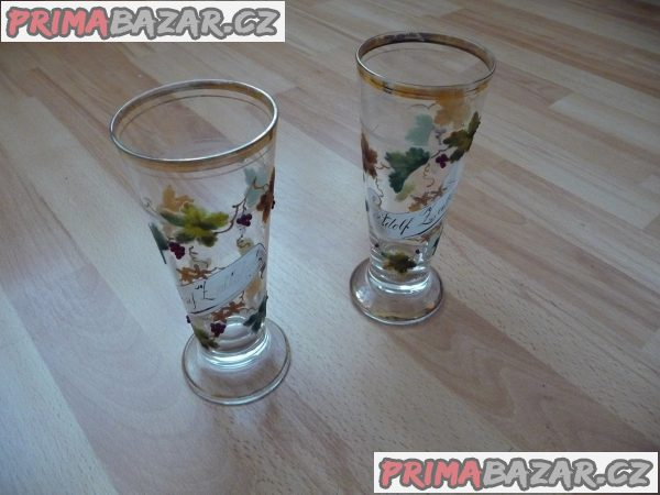 2 ks starožitné skleněné poháry s motivem víno