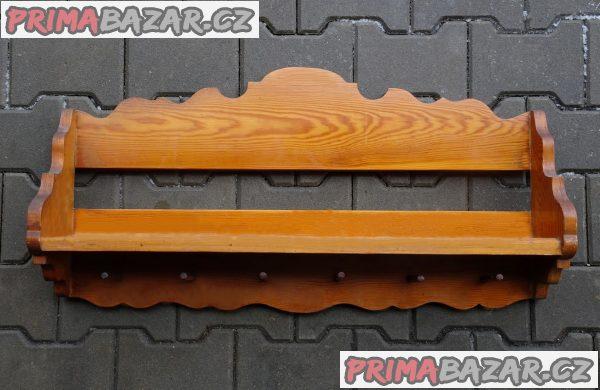 Nástěnná  dřevěná  police z masivu.
