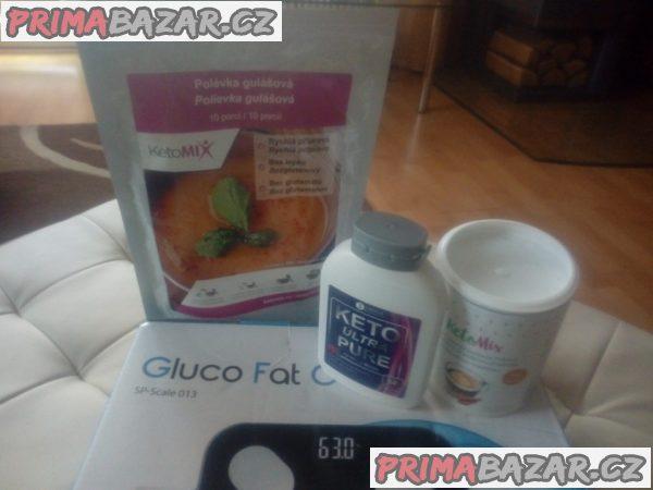 Keto tablety, polévka, káva a osobní váha