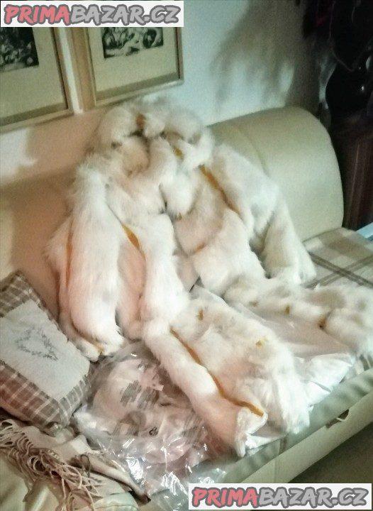 Umělý dlouhý kožich s kapucí