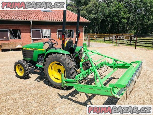 Traktor John Deere 4HST/ 300